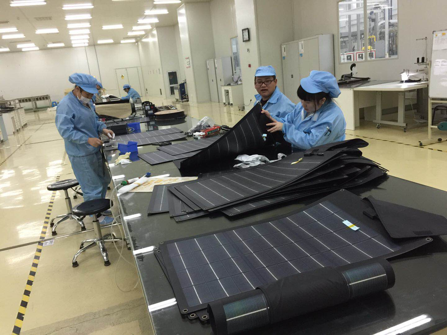 rolling solar charger